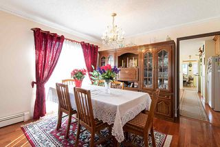 Photo 3: 578 E 10TH Avenue in Vancouver: Mount Pleasant VE House for sale (Vancouver East)  : MLS®# R2437830