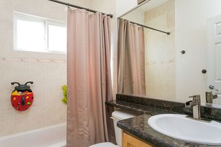 Photo 10: 3541 ADANAC Street in Vancouver: Renfrew VE House for sale (Vancouver East)  : MLS®# R2446192