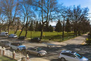 Photo 17: 3541 ADANAC Street in Vancouver: Renfrew VE House for sale (Vancouver East)  : MLS®# R2446192