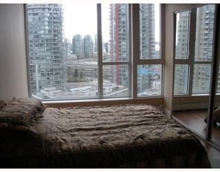 """Photo 5: 1504 183 KEEFER Place in Vancouver: Downtown VW Condo for sale in """"Parks Place"""" (Vancouver West)  : MLS®# V782755"""