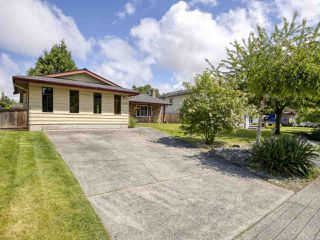 Photo 2: 5093 2 Avenue in Delta: Pebble Hill House for sale (Tsawwassen)  : MLS®# R2462013