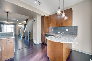 Photo 9: 1627 CUNNINGHAM Way in Edmonton: Zone 55 Townhouse for sale : MLS®# E4212682