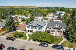 Photo 3: 2522 Cochrane Road NW in Calgary: Banff Trail Semi Detached for sale : MLS®# A1029563