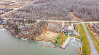 Photo 1: 513 Hall Road in Petersfield: R13 Residential for sale : MLS®# 202028031