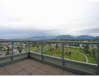 Photo 9: 2401 4388 BUCHANAN Street in Burnaby: Brentwood Park Condo for sale (Burnaby North)  : MLS®# V787979