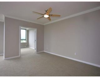 Photo 4: 2401 4388 BUCHANAN Street in Burnaby: Brentwood Park Condo for sale (Burnaby North)  : MLS®# V787979