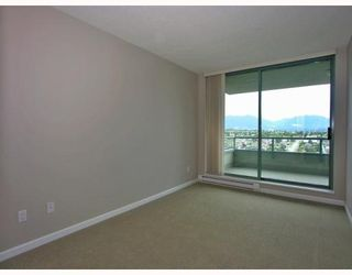 Photo 5: 2401 4388 BUCHANAN Street in Burnaby: Brentwood Park Condo for sale (Burnaby North)  : MLS®# V787979