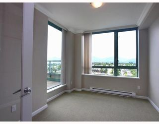 Photo 6: 2401 4388 BUCHANAN Street in Burnaby: Brentwood Park Condo for sale (Burnaby North)  : MLS®# V787979