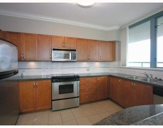 Photo 7: 2401 4388 BUCHANAN Street in Burnaby: Brentwood Park Condo for sale (Burnaby North)  : MLS®# V787979