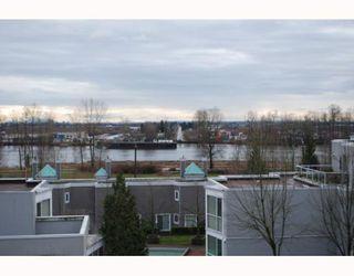 """Photo 10: 311 8420 JELLICOE Street in Vancouver: Fraserview VE Condo for sale in """"BOARDWALK"""" (Vancouver East)  : MLS®# V803299"""