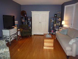 Photo 2: 21 DUNROBIN Avenue in WINNIPEG: East Kildonan Residential for sale (North East Winnipeg)  : MLS®# 1018741