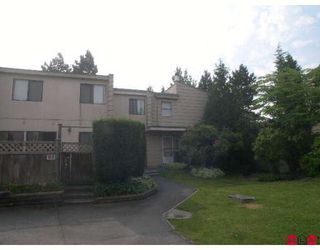 "Photo 1: 59 10535 153RD Street in Surrey: Guildford Townhouse for sale in ""Guildford Mews"" (North Surrey)  : MLS®# F2820502"