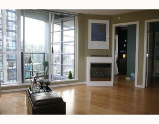 """Photo 6: 1902 1199 SEYMOUR Street in Vancouver: Downtown VW Condo for sale in """"BRAVA"""" (Vancouver West)  : MLS®# V729484"""