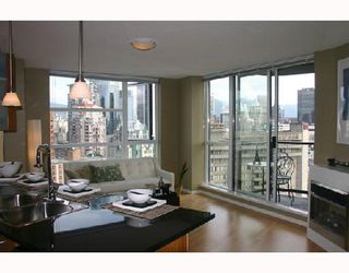 """Photo 2: 1902 1199 SEYMOUR Street in Vancouver: Downtown VW Condo for sale in """"BRAVA"""" (Vancouver West)  : MLS®# V729484"""