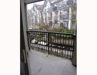 Photo 6: 215 1150 E 29TH Street in North_Vancouver: Lynn Valley Condo for sale (North Vancouver)  : MLS®# V749371