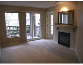 Photo 5: 215 1150 E 29TH Street in North_Vancouver: Lynn Valley Condo for sale (North Vancouver)  : MLS®# V749371