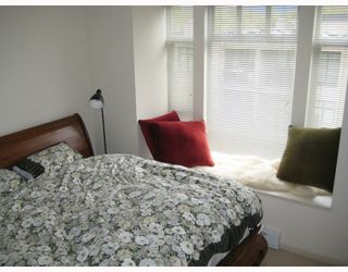 """Photo 9: 312 3727 W 10TH Avenue in Vancouver: Point Grey Townhouse for sale in """"FOLKSTONE"""" (Vancouver West)  : MLS®# V766376"""