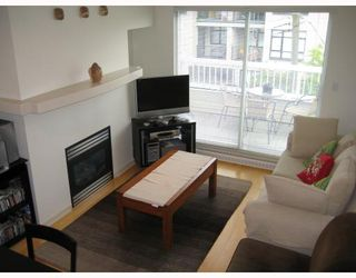 """Photo 2: 312 3727 W 10TH Avenue in Vancouver: Point Grey Townhouse for sale in """"FOLKSTONE"""" (Vancouver West)  : MLS®# V766376"""
