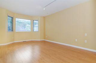 """Photo 8: 33 8889 212 Street in Langley: Walnut Grove Townhouse for sale in """"Garden Terrace"""" : MLS®# R2425313"""