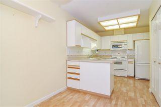 """Photo 7: 33 8889 212 Street in Langley: Walnut Grove Townhouse for sale in """"Garden Terrace"""" : MLS®# R2425313"""