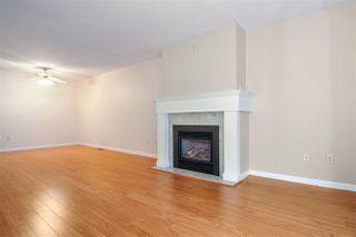 """Photo 3: 33 8889 212 Street in Langley: Walnut Grove Townhouse for sale in """"Garden Terrace"""" : MLS®# R2425313"""
