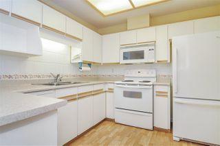 """Photo 5: 33 8889 212 Street in Langley: Walnut Grove Townhouse for sale in """"Garden Terrace"""" : MLS®# R2425313"""