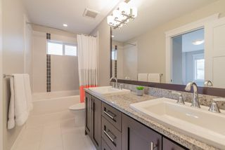 """Photo 15: 21004 76A Avenue in Langley: Willoughby Heights House for sale in """"YORKSON"""" : MLS®# R2448160"""