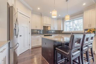 """Photo 7: 21004 76A Avenue in Langley: Willoughby Heights House for sale in """"YORKSON"""" : MLS®# R2448160"""
