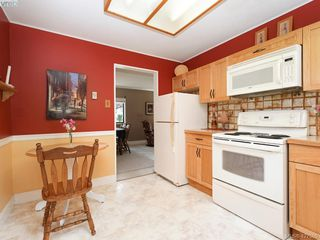 Photo 6: 2286 Amherst Ave in SIDNEY: Si Sidney North-East Single Family Detached for sale (Sidney)  : MLS®# 842232