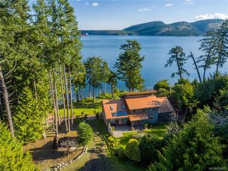 Photo 1: 8834 Canal Rd in Pender Island: GI Pender Island Single Family Detached for sale (Gulf Islands)  : MLS®# 836327