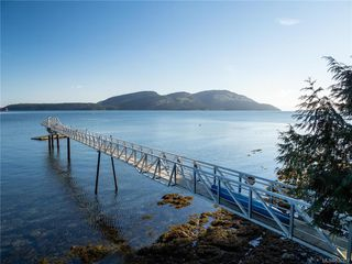 Photo 2: 8834 Canal Rd in Pender Island: GI Pender Island Single Family Detached for sale (Gulf Islands)  : MLS®# 836327