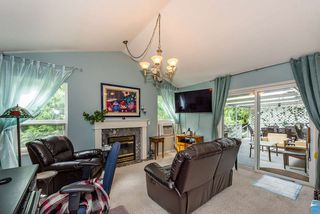 Photo 12: 19422 CUSICK Crescent in Pitt Meadows: Mid Meadows House for sale : MLS®# R2493734
