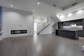 Photo 1: 2303 10360 102 Street in Edmonton: Zone 12 Condo for sale : MLS®# E4219615
