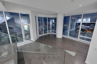Photo 3: 2303 10360 102 Street in Edmonton: Zone 12 Condo for sale : MLS®# E4219615