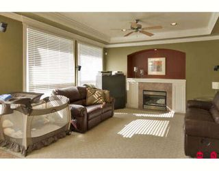 """Photo 6: 6235 164A Street in Surrey: Cloverdale BC House for sale in """"WEST CLOVERDALE"""" (Cloverdale)  : MLS®# F2824180"""