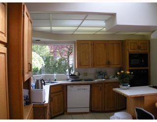 Photo 2: 2216 WINDRIDGE Drive in North_Vancouver: Seymour House for sale (North Vancouver)  : MLS®# V766017