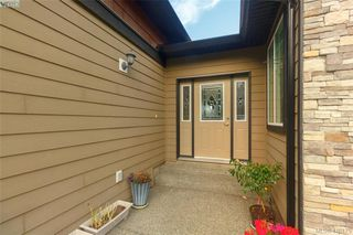 Photo 3: 3731 Ridge Pond Drive in VICTORIA: La Happy Valley Single Family Detached for sale (Langford)  : MLS®# 416175