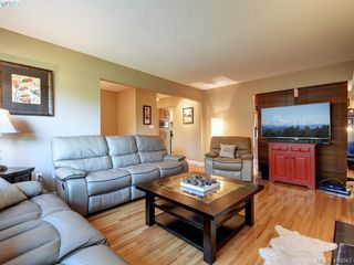 Photo 4: 1 2022 Melville Drive in SIDNEY: Si Sidney North-East Half Duplex for sale (Sidney)  : MLS®# 416845