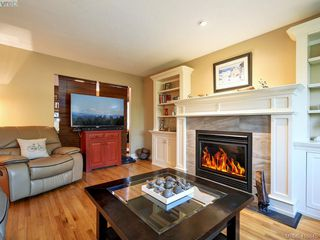 Photo 3: 1 2022 Melville Drive in SIDNEY: Si Sidney North-East Half Duplex for sale (Sidney)  : MLS®# 416845