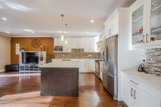 "Photo 2: 18198 70 Avenue in Surrey: Cloverdale BC House 1/2 Duplex for sale in ""Provinceton"" (Cloverdale)  : MLS®# R2419982"