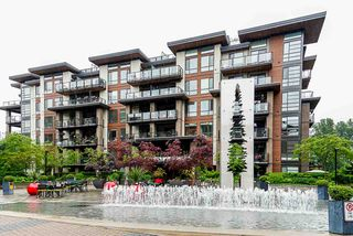 "Main Photo: 305 719 W 3RD Street in North Vancouver: Harbourside Condo for sale in ""THE SHORE"" : MLS®# R2460548"
