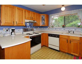 """Photo 4: 15817 101ST Avenue in Surrey: Guildford House for sale in """"Somerset"""" (North Surrey)  : MLS®# F2818550"""
