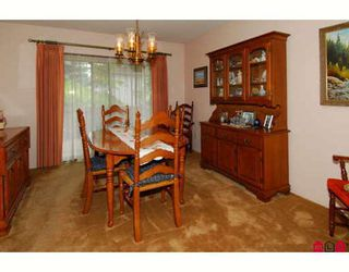 """Photo 3: 15817 101ST Avenue in Surrey: Guildford House for sale in """"Somerset"""" (North Surrey)  : MLS®# F2818550"""