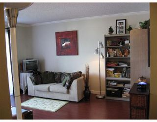"Photo 3: 302 2055 SUFFOLK Avenue in Port_Coquitlam: Glenwood PQ Condo for sale in ""SUFFOLK MANOR"" (Port Coquitlam)  : MLS®# V722000"
