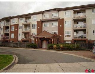 "Photo 1: 15885 84TH Ave in Surrey: Fleetwood Tynehead Condo for sale in ""Abbey Road"" : MLS®# F2626041"