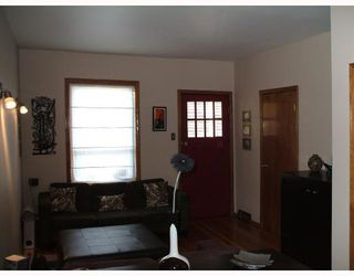 Photo 3: 427 RIVERTON Avenue in WINNIPEG: East Kildonan Residential for sale (North East Winnipeg)  : MLS®# 2719701