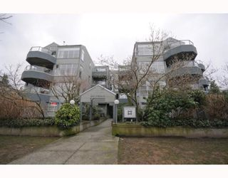 "Photo 10: 105 2250 W 3RD Avenue in Vancouver: Kitsilano Condo for sale in ""HENLEY PARK"" (Vancouver West)  : MLS®# V755957"