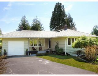 Photo 1: 871 WAVERTREE Road in North_Vancouver: Forest Hills NV House for sale (North Vancouver)  : MLS®# V761826