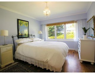 Photo 5: 871 WAVERTREE Road in North_Vancouver: Forest Hills NV House for sale (North Vancouver)  : MLS®# V761826