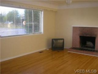 Photo 3: 1275 Dominion Rd in VICTORIA: VW Victoria West House for sale (Victoria West)  : MLS®# 500683